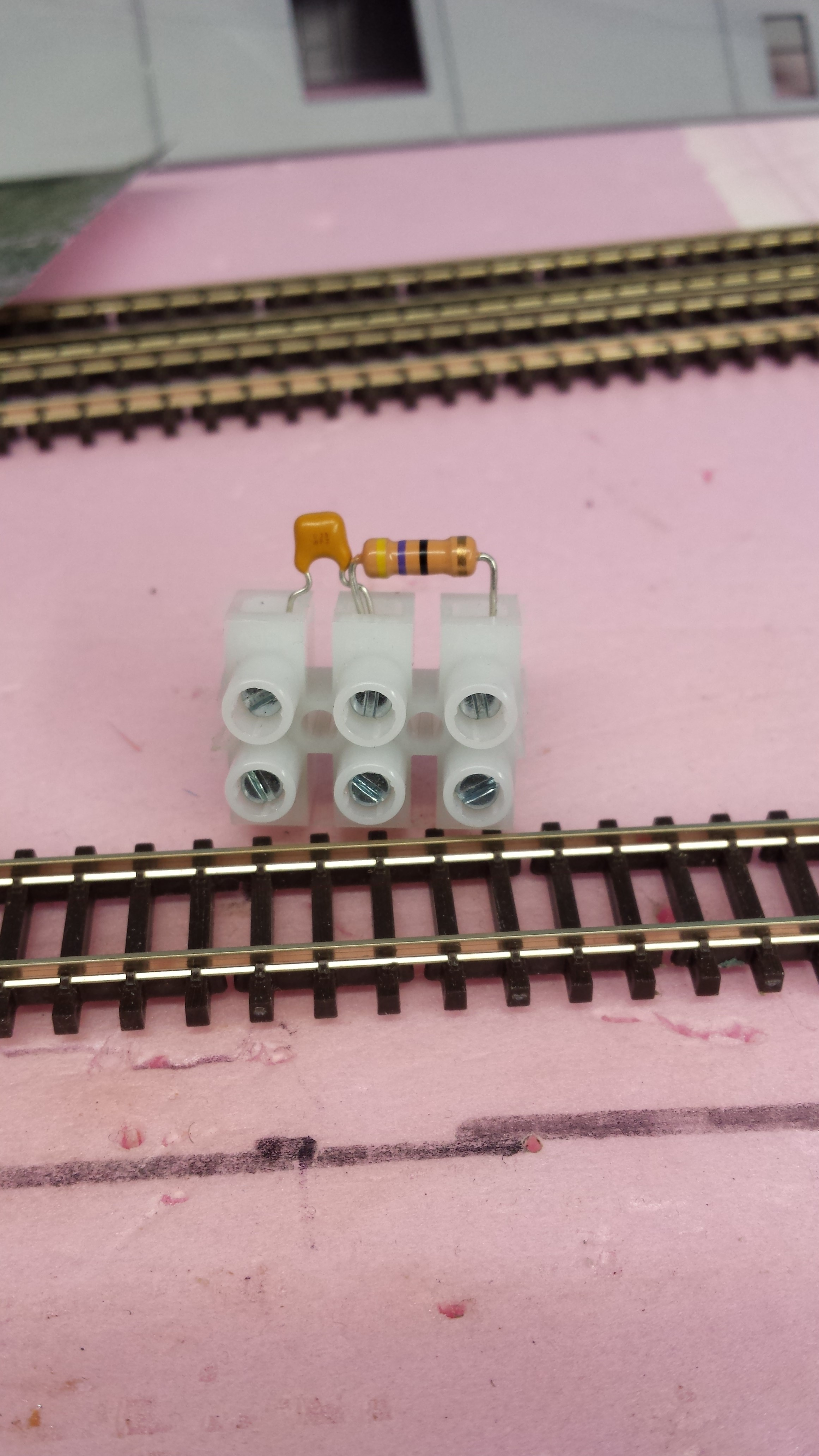 Snubber Rc Filter Welcome To The Nce Information Station Model Railroad Dcc Wiring How Build A Train Layouts G Z S 5240305 2 Pack Of Track Bus Noise Suppressor 1295
